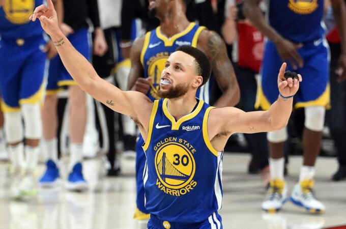 Curry chega em segundo na lista de três pontos na NBA