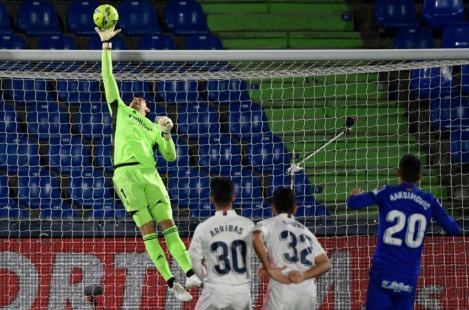 Courtois ajuda Real Madrid empobrecido a ganhar um ponto no Getafer