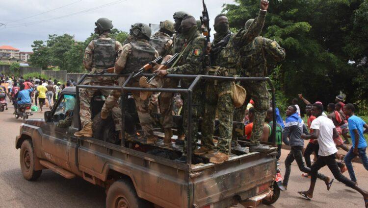 Naby Keita do Liverpool 'sã e salva' na Guiné após golpe militar no país